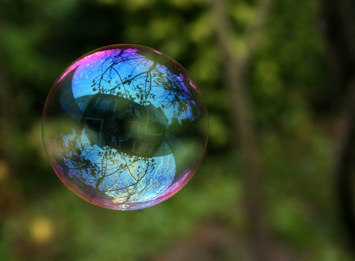 Reflection_in_a_soap_bubble_edit-2